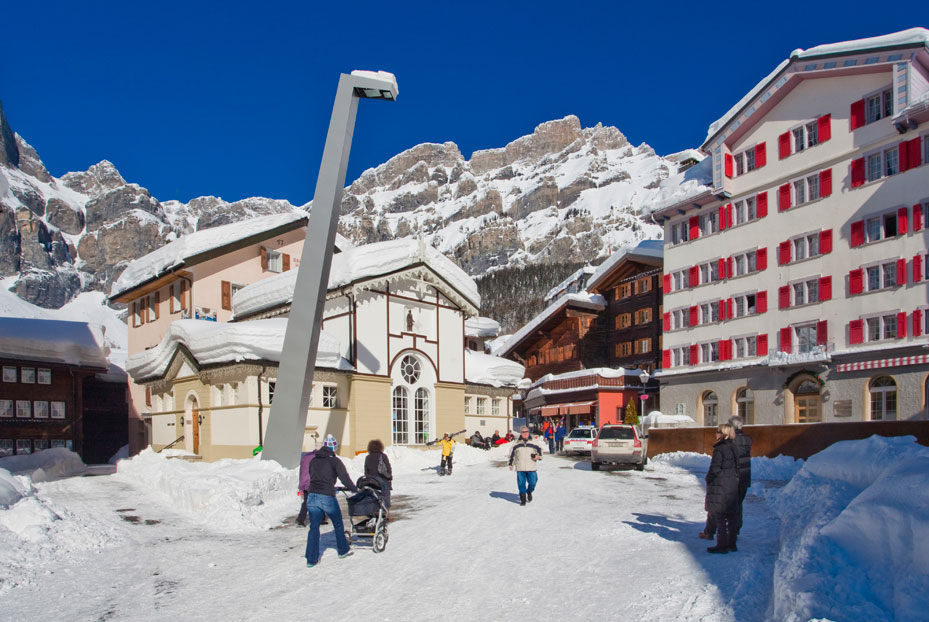Dorfplatz im Winter